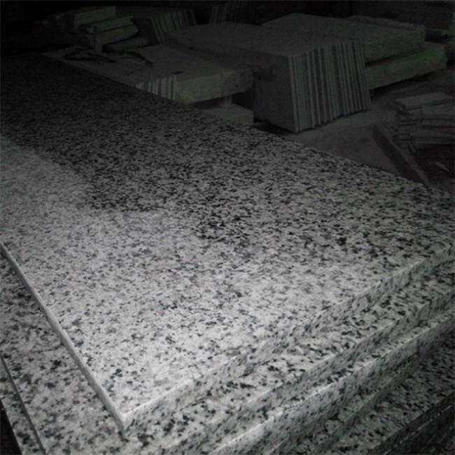 Polished royal gray granite tiles
